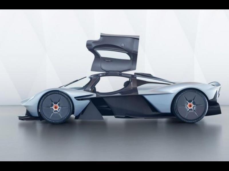 Aston Martin показа най-лудия си модел /СНИМКИ/