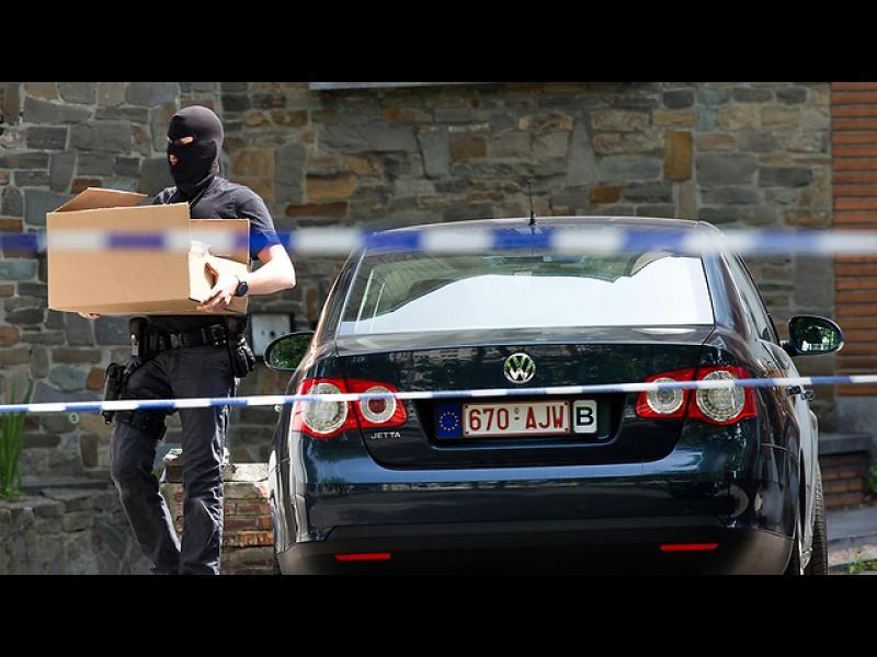 Полицаи откриха огън по подозрителна кола в Брюксел