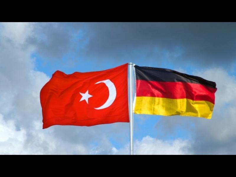 Турция: Германия да си гледа работата