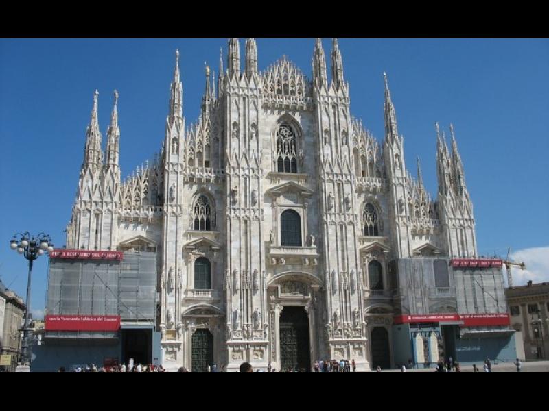 Италия поставя бетонни бариери до най-натоварените си атракции