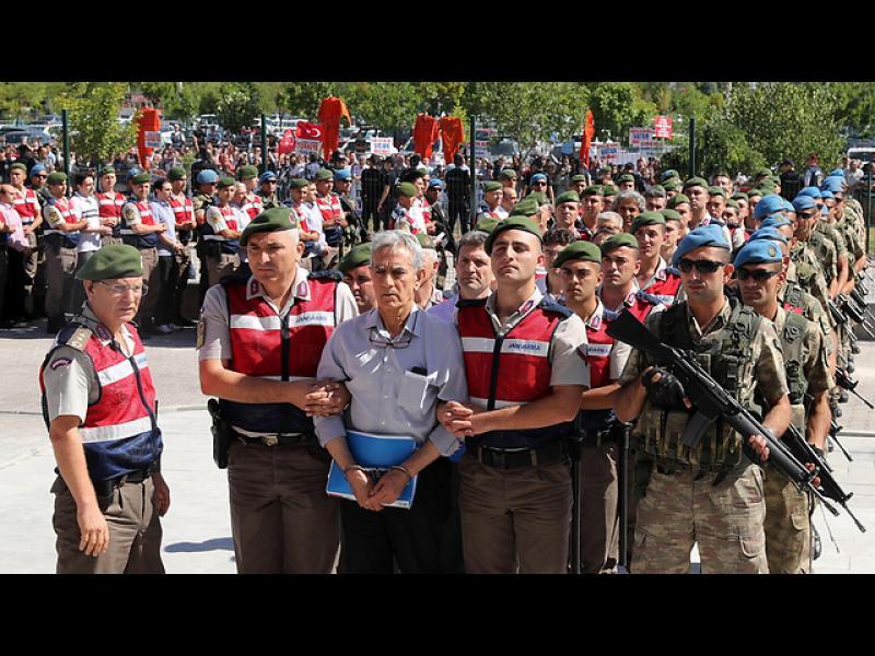"""Турция започва мегадело срещу близо 500 """"гюленисти"""""""