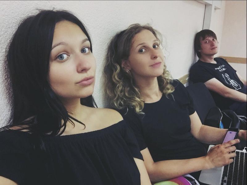 Арестуваха отново две момичета от Pussy Riot