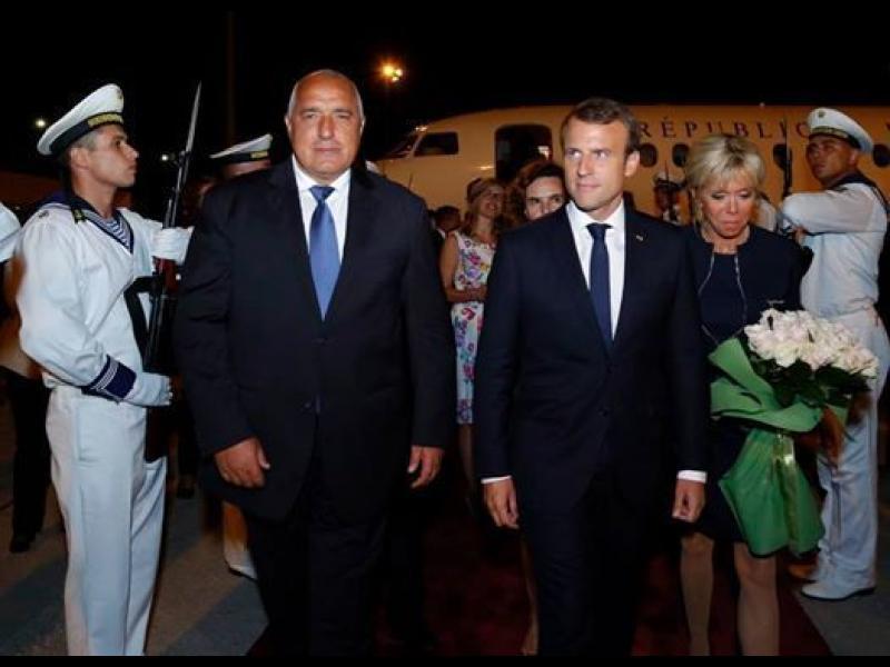 Президентът Радев и премиерът Борисов разговарят с френския президент Еманюел Макрон в резиденция Евксиноград