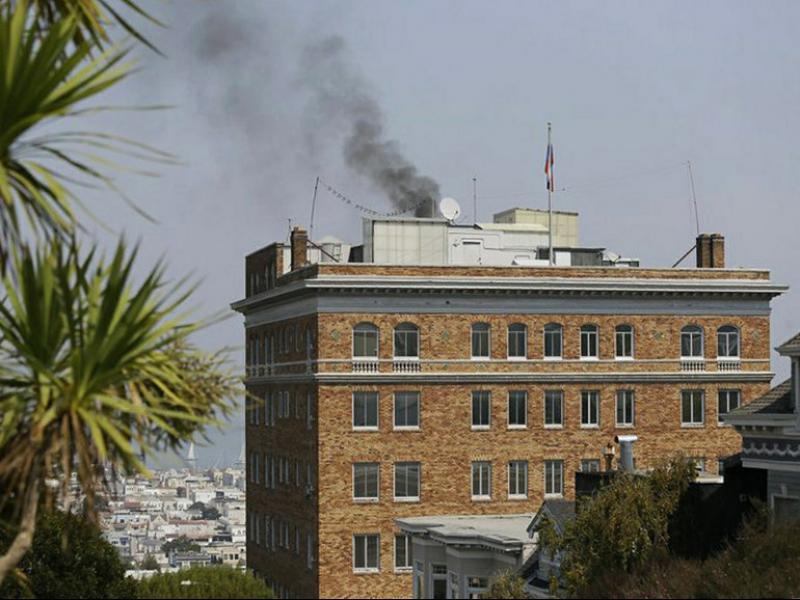 Руските дипломати горят документи и опразват консулството в Сан Франциско