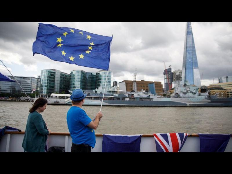 Великобритания гласува отмяна на законодателството на ЕС