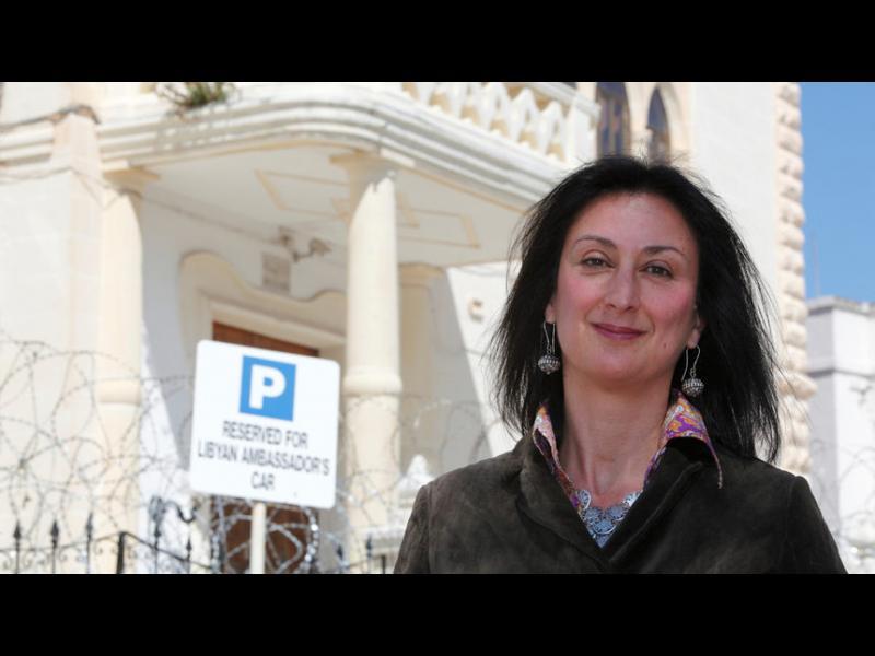 """Кола бомба уби журналистка в Малта, работила по """"Досиетата от Панама"""""""