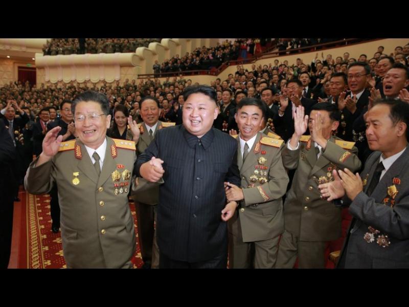 """Северна Кирея: Подтикват """"побъркания"""" Тръмп към ядрена война"""