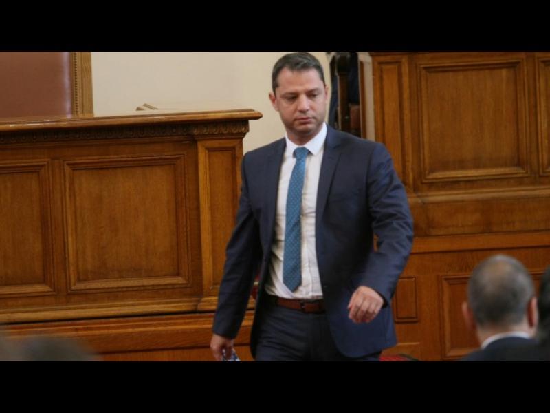 Делян Добрев продължава да бъде депутат от втори опит