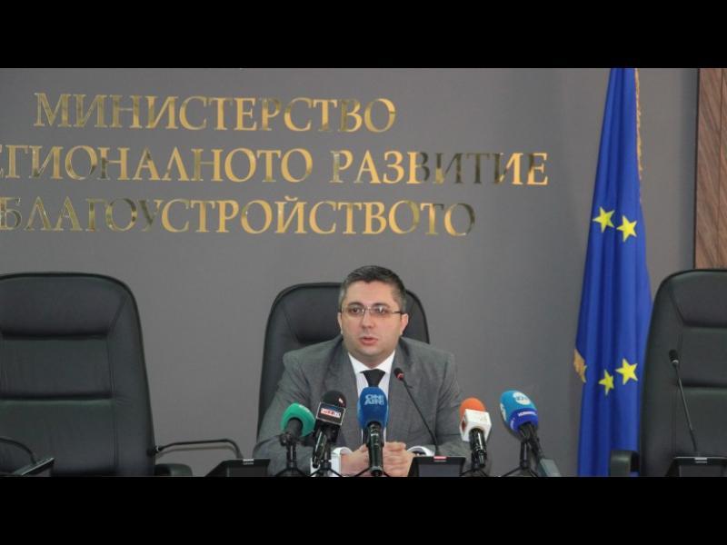 Министър Нанков: Асфалтовите пътища у нас са по-добри от тези в Танзания и Замбия