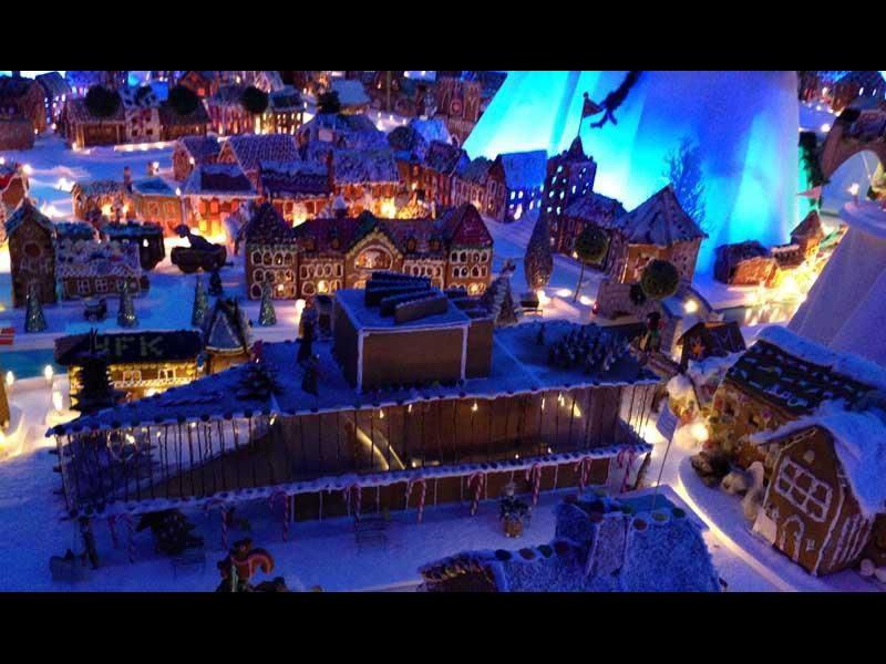 Най-големият в света град от курабийки (видео)