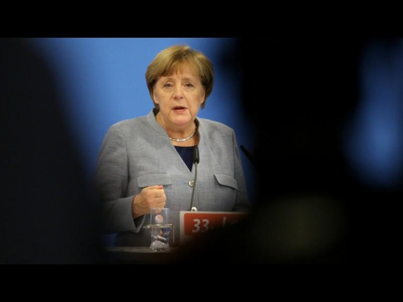 Партията на Меркел се съгласи да търси коалиция със социалдемократите