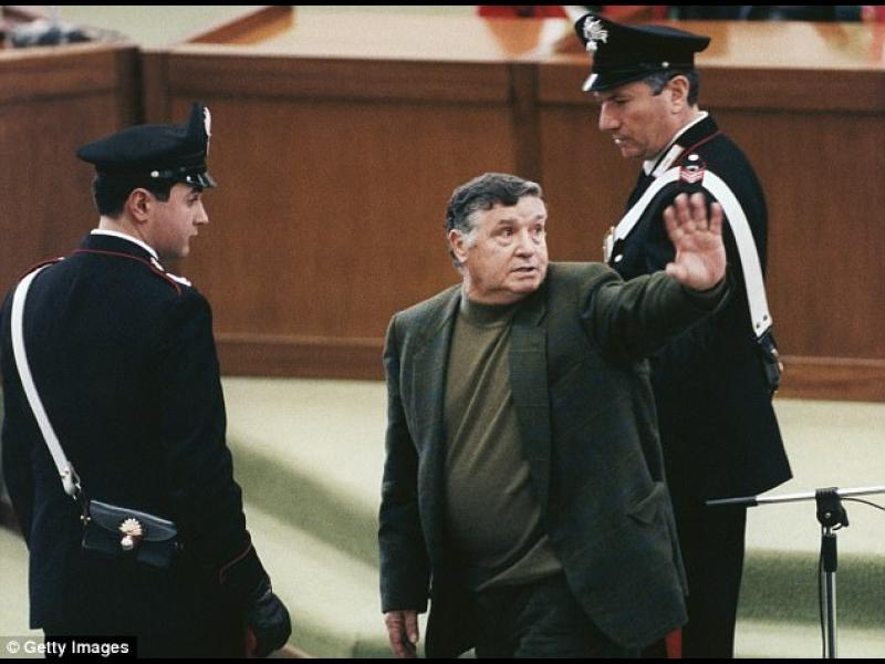 """Почина последният """"бос на босовете"""" на сицилианската мафия"""