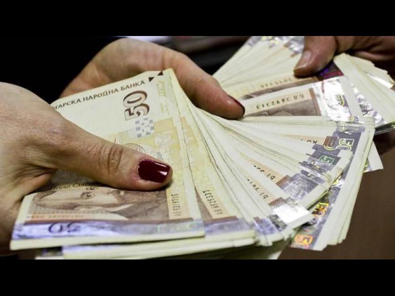 Депутатите пак ограничават кешовите плащания до 5000 лв.