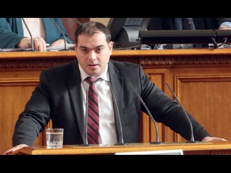 Социалистите искат Цацаров да пита Борисов кои са наркотрафикантите в НС