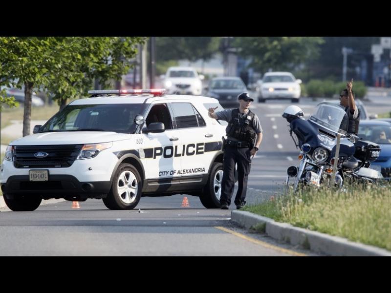 Петима убити при серия атаки в Калифорния