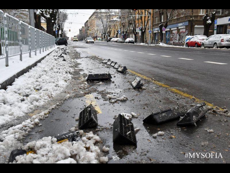 "Снегорини отнесоха велоалеята на бул. ""Дондуков"""