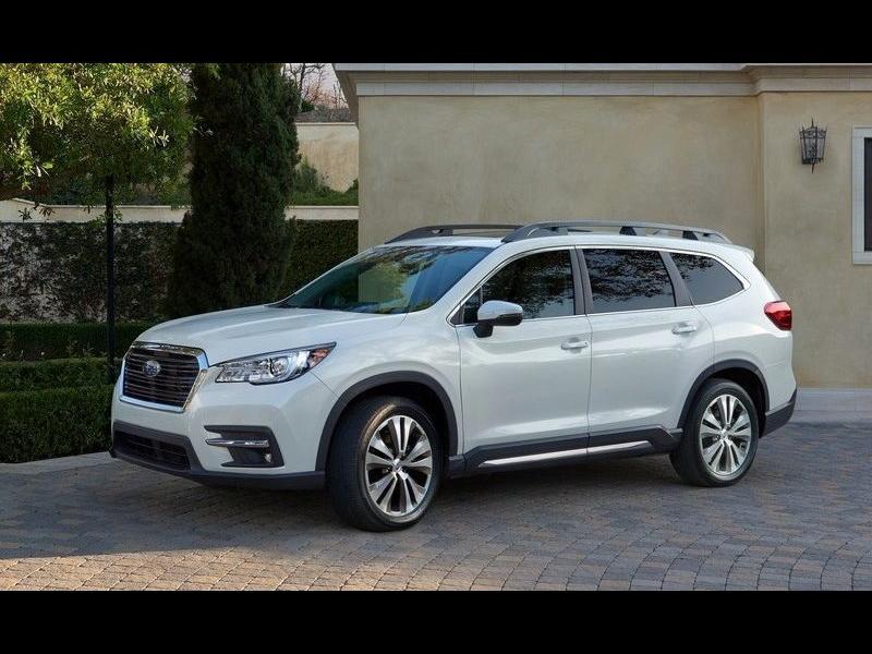 Subaru лансира модел с осем места