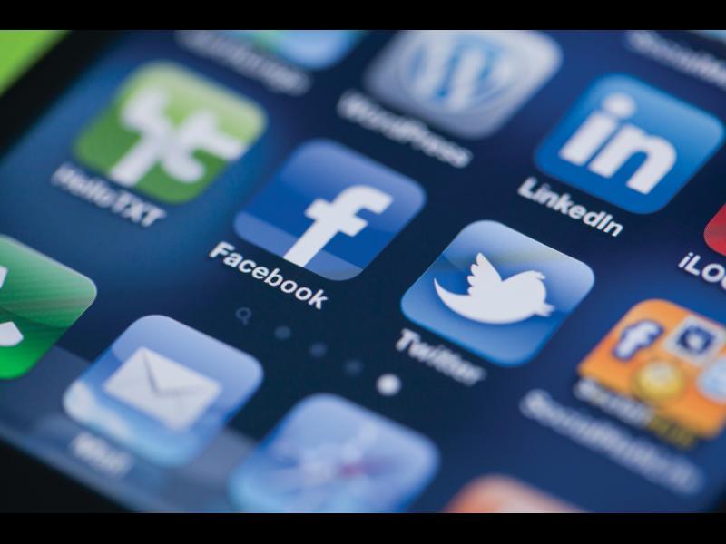 """Великобритания пита  Facebook и Twitter за """"вмешателство"""" - картинка 1"""