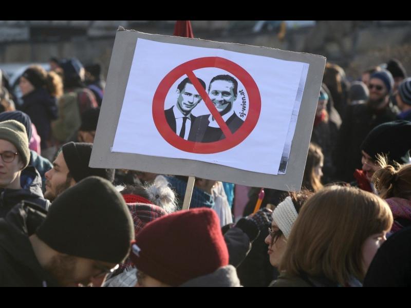 """Призоваха за """"европейски бойкот"""" на австрийския кабинет"""