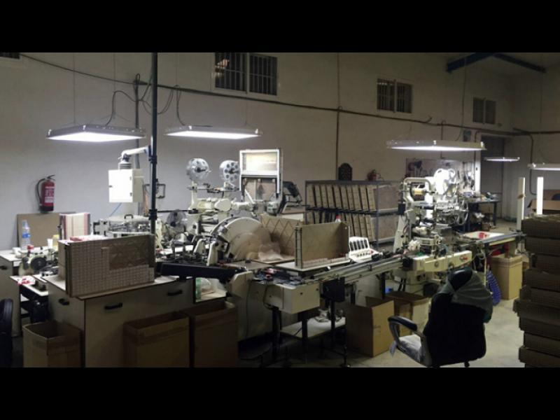 В Испания е разкрита нелегална цигарена фабрика с работници от България и Украйна - картинка 1