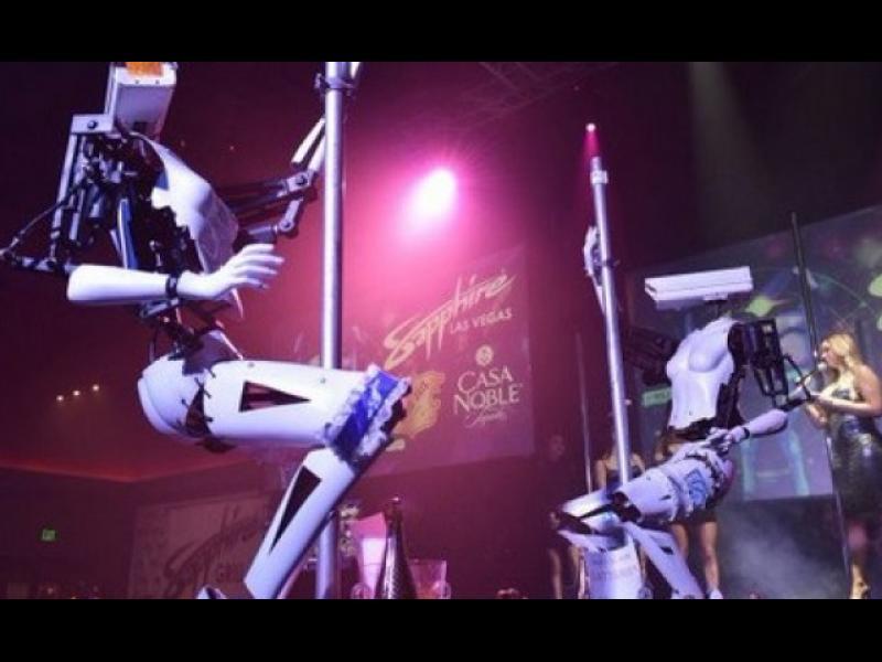 Роботите стриптийзьори, които шокираха Лас Вегас
