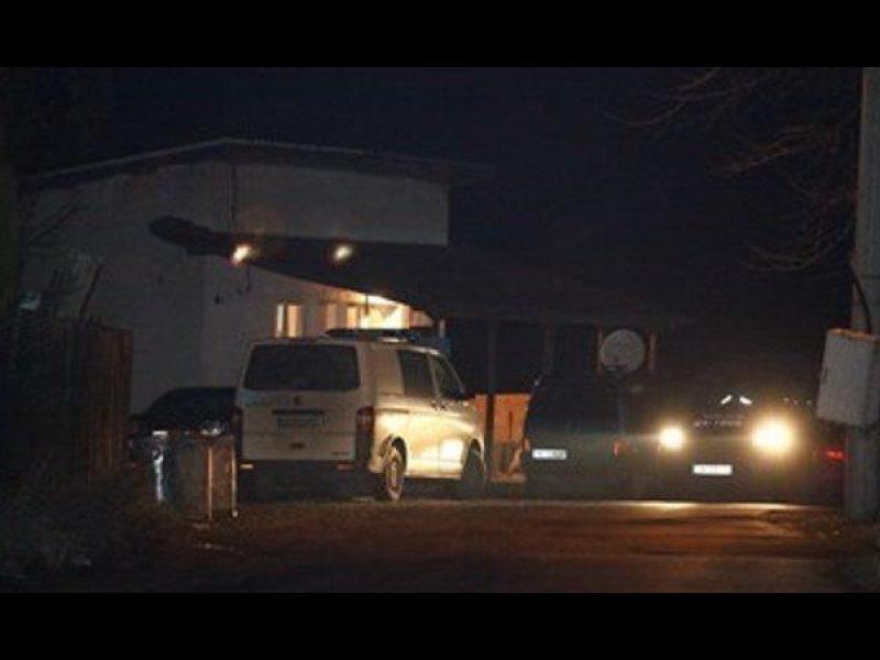 Петорно убийство в Нови Искър
