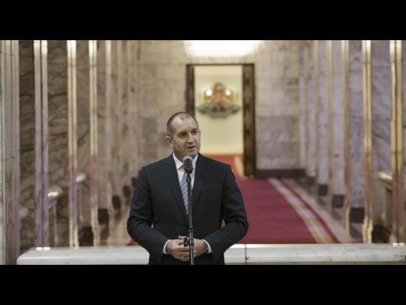 В първия работен ден Радев наложи вето на антикорупционния закон