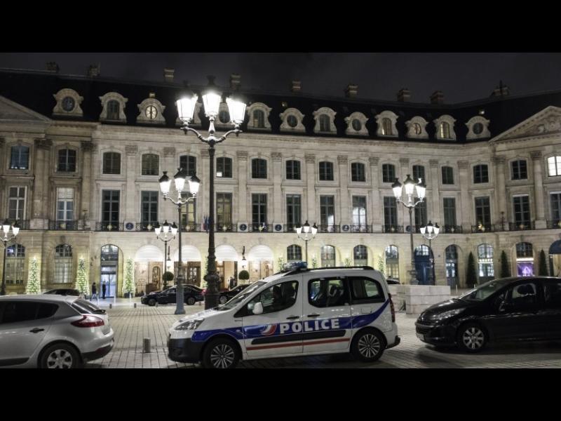 Въоръжен обир за милиони от парижка бижутерия