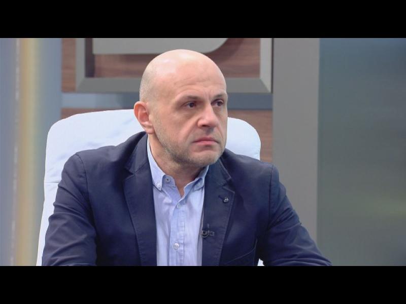 Томислав Дончев: Истанбулската конвенция не буди желание у мъжете да обличат рокли и розови чорапи