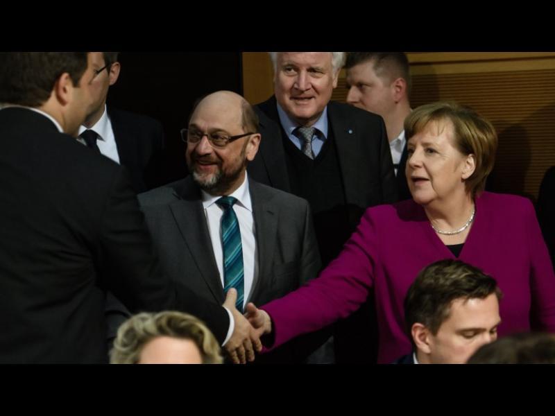 Меркел ще оглави правителството, вижда Шулц като министър - картинка 1