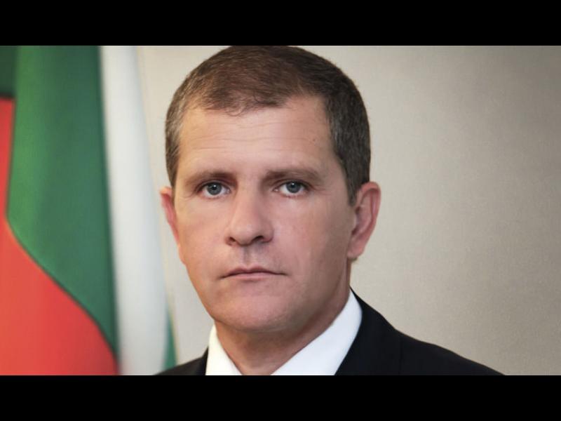 След случая с първата дама: Президентът освободи шефа на НСО