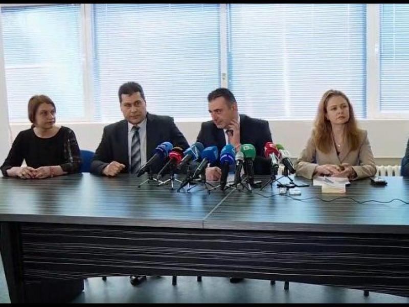 Д-р Димитров изпразнил пълнител по крадеца, не е имало неизбежна отбрана