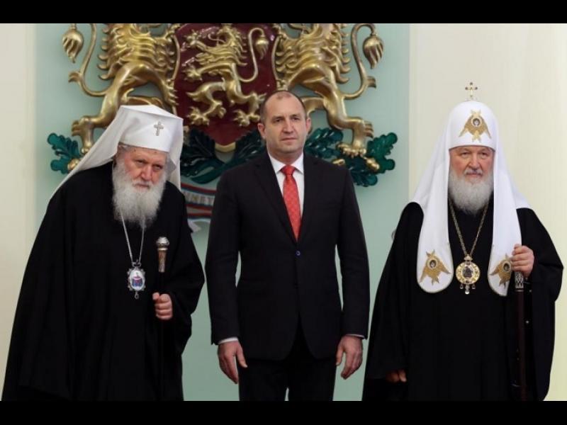 Румен Радев: Кирил дойде като духовен водач, тръгна си като политик - картинка 1