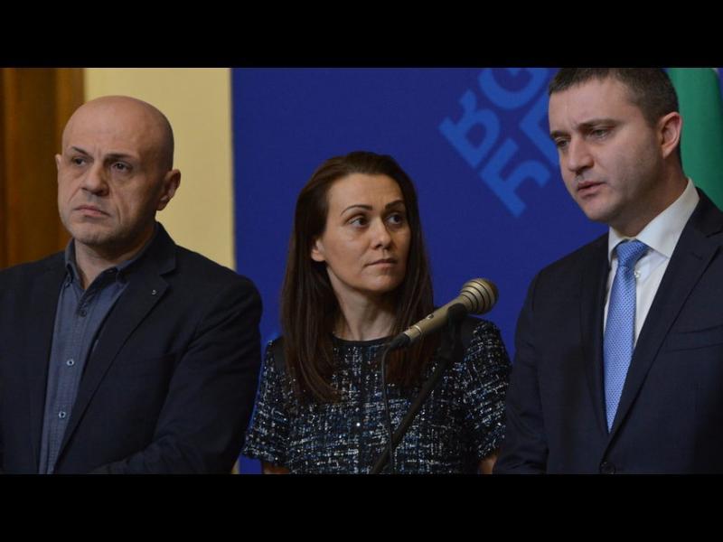 Върбакова: Склонна съм държавата да има участие в сделката за ЧЕЗ