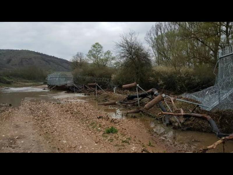 Падна част от оградата по границата с Турция. Пак