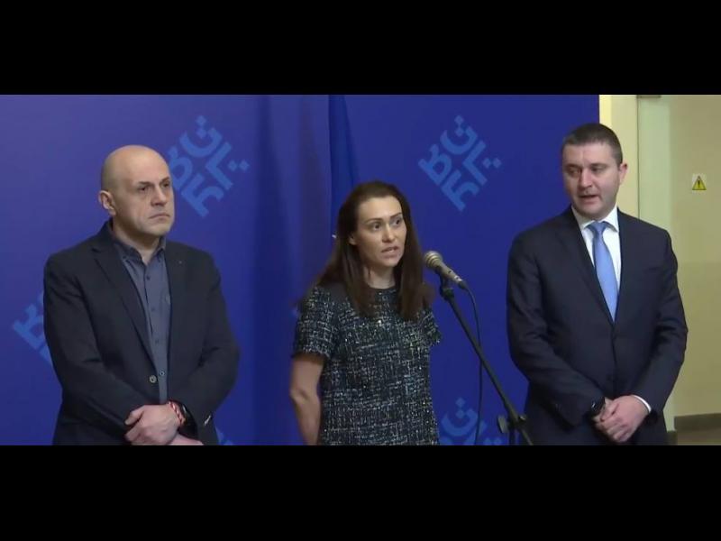 Лупинги: Как Борисов и Върбакова си сменяха мнението за ЧЕЗ в последните три дни
