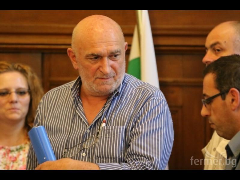 Защо Дамян Илиев все още е шеф на БАБХ?!