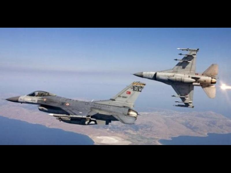 Турски бойни самолети в провокативен полет над Атина