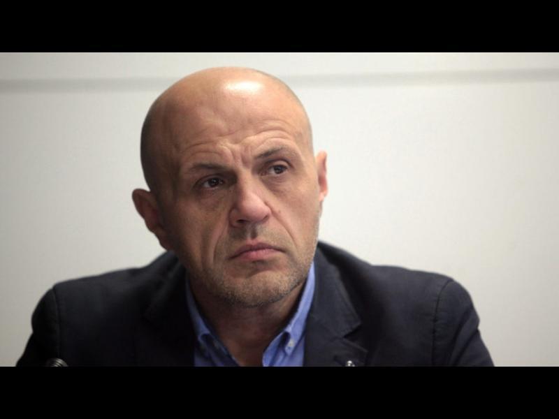 Томислав Дончев: Всички политици да декларират имат ли отношения с някой кандидат за ЧЕЗ
