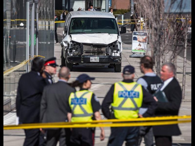 След нападение с ван в Торонто: 10 загинали и 15 ранени