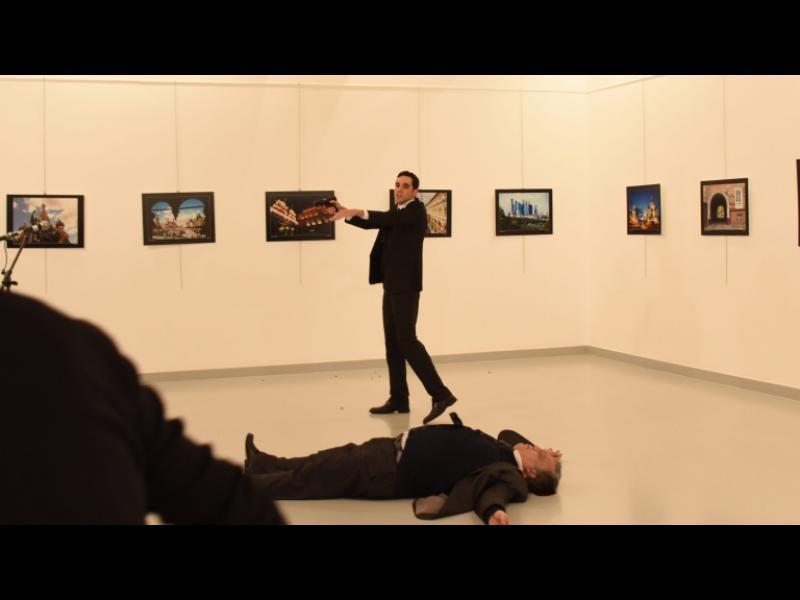Анкара обвини Гюлен за убийството на руския посланик