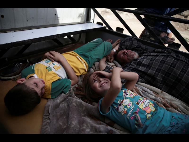 """Русия """"разкри"""" инсценирана химическа атака в Сирия с... филмови кадри"""
