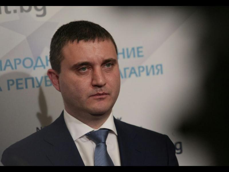 Владислав Горанов: Държавата няма да участва в сделката за ЧЕЗ