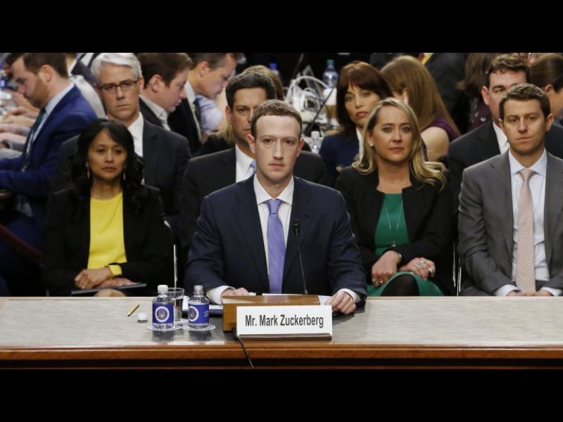 Зукърбърг обяви: Facebook е в постоянна битка с Русия