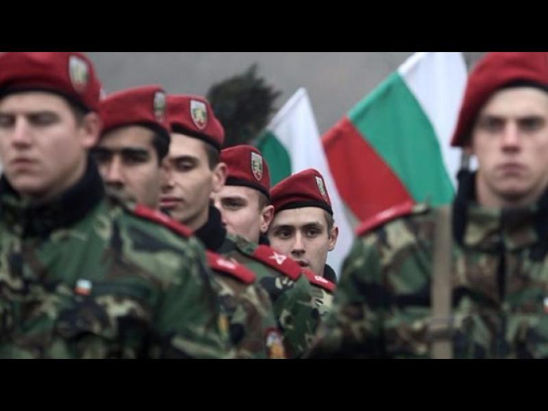 ЕС и НАТО ни критикуват за забавената модернизация на армията