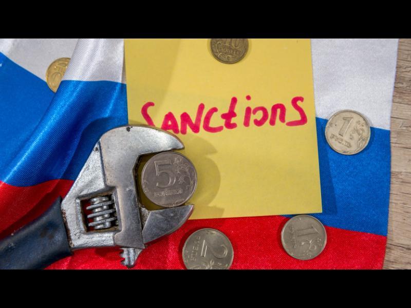 Мей иска ЕС да удължи санкциите срещу Русия
