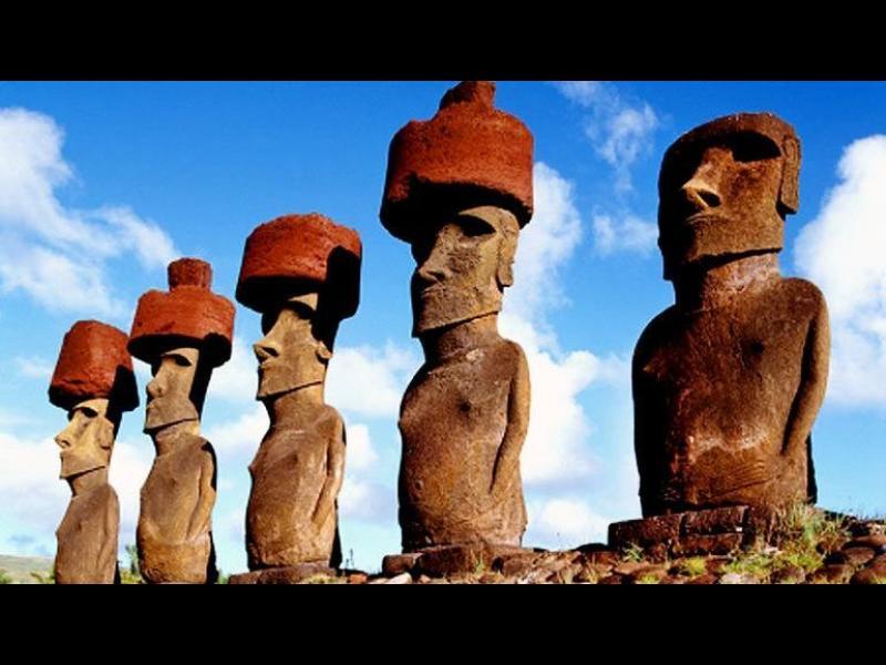 Разрешиха загадката на шапките на статуите на Великденските острови