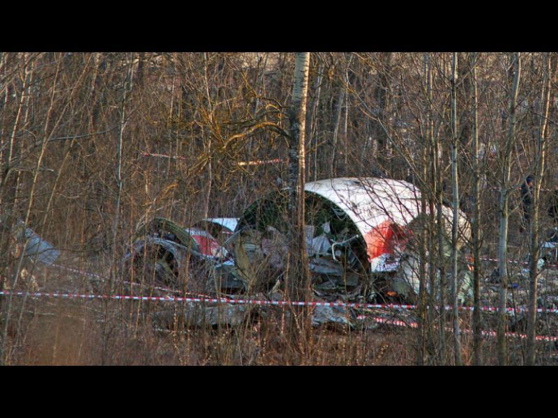 По отломките от самолета, с който загина Качински, има експлозив