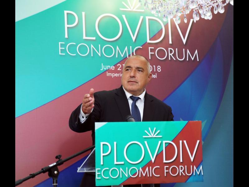 Борисов: Виждате България как се развива... търсят се шофьори, сервитьори - картинка 1