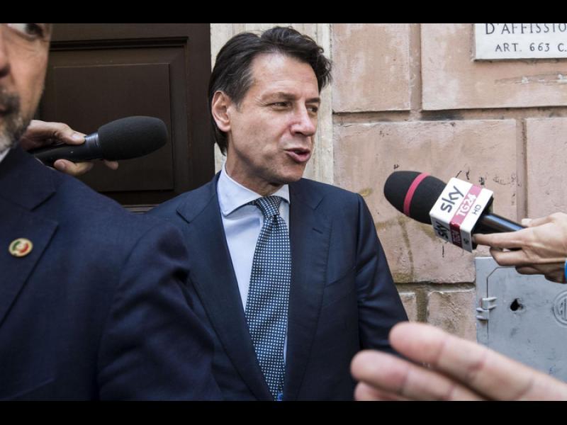 Италия има кабинет, борещ се срещу правилата на ЕС